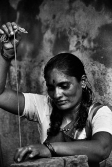 Construction training, a new work for women. Ahmedabad, 2007