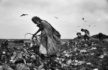 Paper pickers in Suez Farm, the largest dump of Ahmedabad, 2007